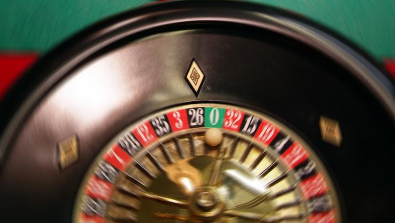 Vive la experiencia de los dealers en vivo en Royal Vegas Casino